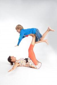 ouder en kind yoga- vliegtuig- El Sole